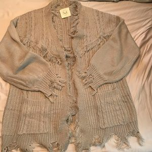 Fantastic Fawn Fringed Gray Sweater Large